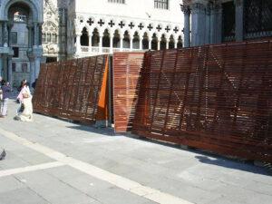 allestimento pannelli su misura per campanile in piazza san marco