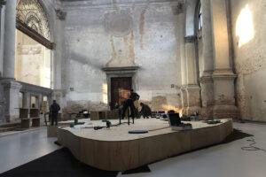 Allestimento mostra a San Lorenzo, Venezia